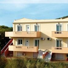 Karfas Sea Apartments in Chios