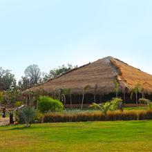 Karhandla Farm & Resort in Umred