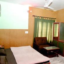Kasauli Hotel Puri in Solan