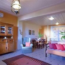 Katalagari Country Suites in Foinikia