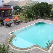 Kaya Valley Resort in Bhalariya