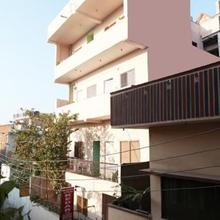 Kedar Guest House in Varanasi