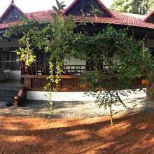 Kerala Heritage Villa in Punalur