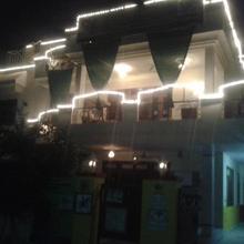 Kesar Niwas in Dhanakya