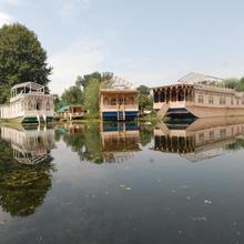 Khilona Group Of Houseboats in Srinagar