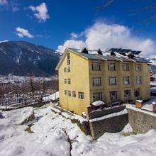 Khushboo Resorts in Manali