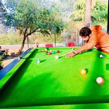 Kingfishers Aravali Resort in Dera Mandi