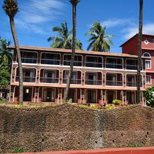 Kingstork Beach Resort in Goa