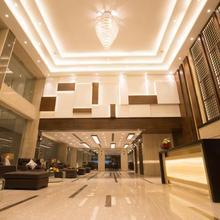 Kiscol Grands Hotel in Irugur