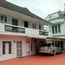 Koduvely House in Vypin