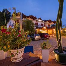Krikonis Suites Hotel in Dafnoula