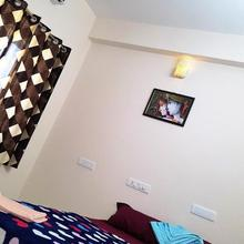 Krish Rooms And Stay in Chennai