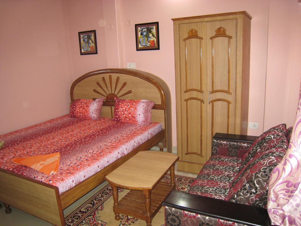 Krishna Paying Guest House in Varanasi