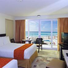 Krystal Cancun in Cancun