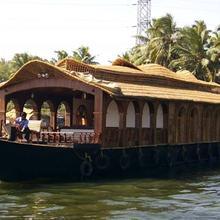 Kumarakom House Boats Cruise in Cherthala