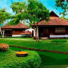Kumarakom Lake Resort in Kottayam