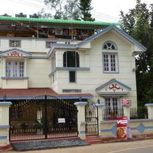 Kumar's Mountain View Cottage in Coonoor