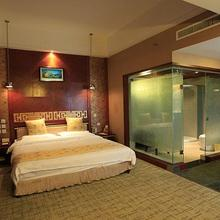 Kunming Golden Spring Hotel in Kunming