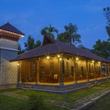 Kuttichira Heritage Home in Punnappira