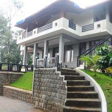 La Flora Jungle Hill Resort,coorg in Madikeri