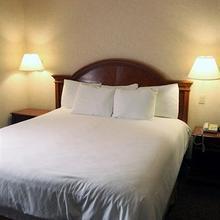 La Fuente Inn & Suites in Yuma