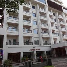 La Hospin Hotel in Rajahmundry