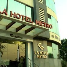 La Hotel Metro in Mumbai