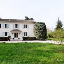 La Maison De Roussille in Lyon