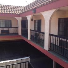 La Mirage Inn in San Pedro