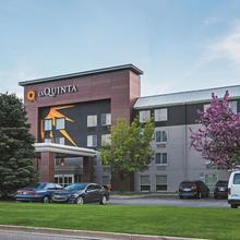 La Quinta By Wyndham Detroit Utica in Utica