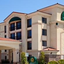 La Quinta Inn & Suites Hawaiian Gardens in Long Beach