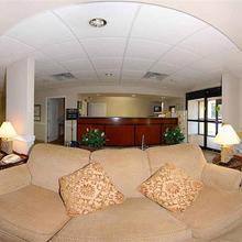 La Quinta Inn & Suites Jackson Airport in Luckney