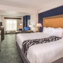 La Quinta Inn & Suites Philadelphia Airport in Philadelphia