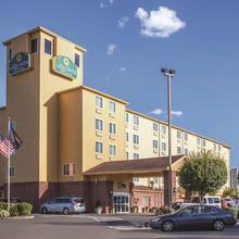 La Quinta Inn & Suites Portland Airport in Troutdale