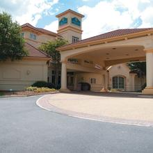 La Quinta Inn and Suites Raleigh Cary in Raleigh