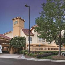 La Quinta Inn & Suites Raleigh Durham International Airport in Raleigh