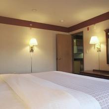 La Quinta Inn & Suites South Burlington in Burlington