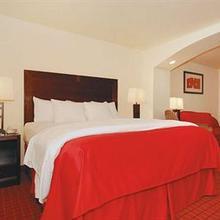 La Quinta Inn & Suites Huntsville Airport-Madison in Sherwood Park
