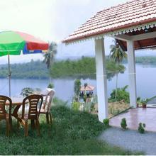 Lake Live Resort in Meppadi