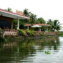 Lake Symphony Resort in Cochin