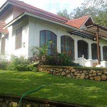 Lake Villa in Parattipalli