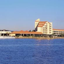 Lakes Hotel in Adelaide