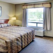 LAKEVIEW INN AND SUITES FORT NE in Fort Nelson
