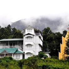 Lakezone Holiday Resort in Chinnakanal