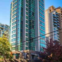 Landis Hotel & Suites in Vancouver