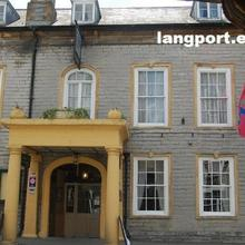 Langport Arms Hotel in Yeovilton