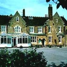 Larkfield Priory Hotel in Wrotham