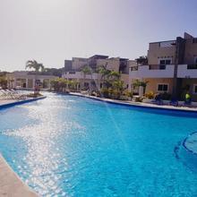 Las Palmas Beach Hotel in Roatan