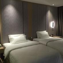 Lavande Hotel Yichang Baota River in Yichang
