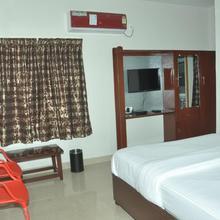 Laven Hotels in Rajahmundry